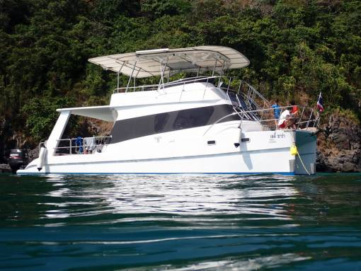 Coral island private Dive boat hire