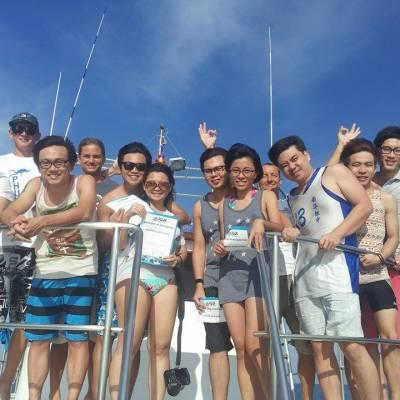 Discover Scuba diving with your friends - Phuket Dive Tours.com
