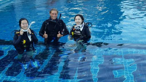 Learning to dive in Thailand with the open water diver course