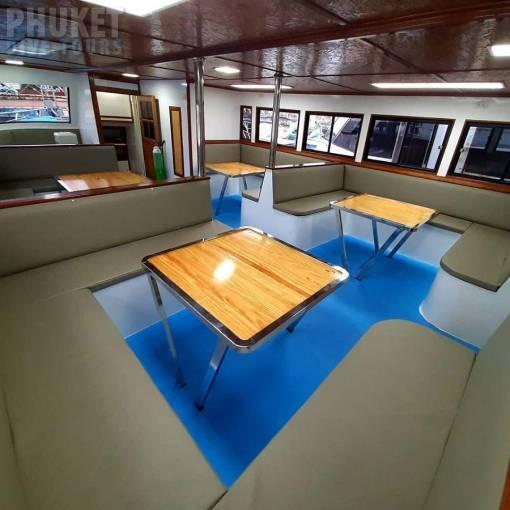 Phi Phi islands diving boat lounge