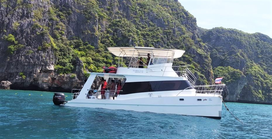 Phi Phi private snorkeling charter from phuket
