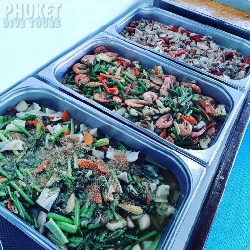 Phi Phi scuba diving lunch breakfast