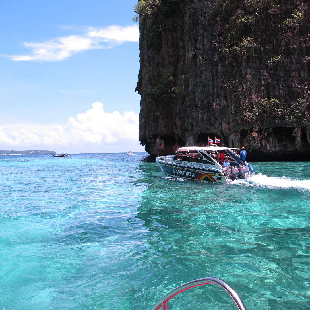 phi phi Island day trip by speedboat - Phuket Dive Tours