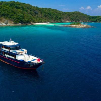 Racha Noi scuba diving 3 dive day trip boat