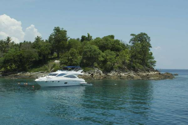 Racha Yai Island diving and snorkeling with Phuket Dive Tours