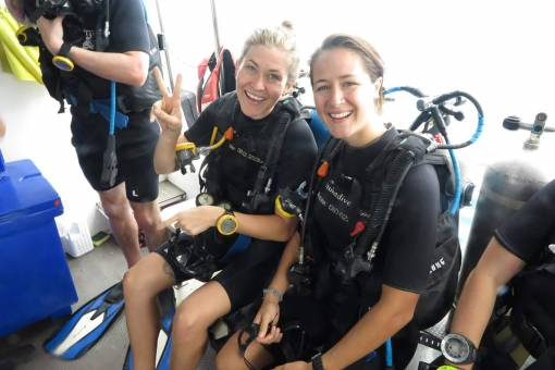divers get ready to scuba dive in Phuket