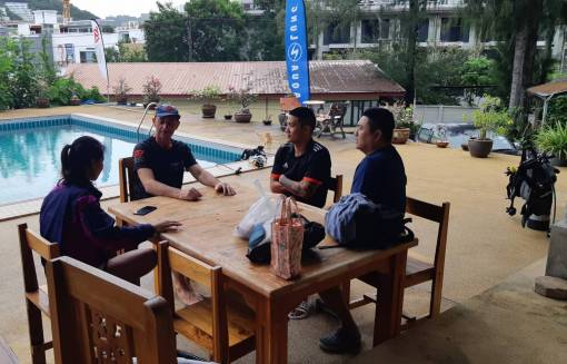 Students learning how to scuba dive in Phuket