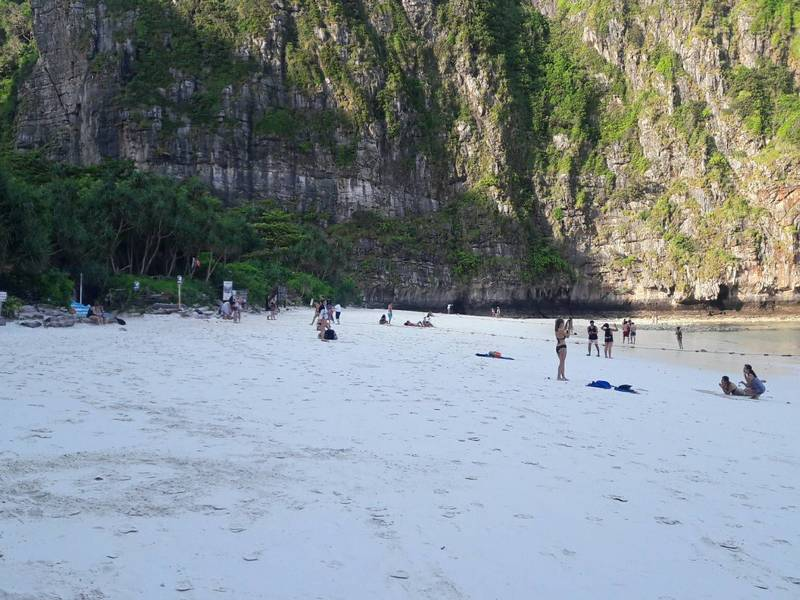 maya bay the beach early morning