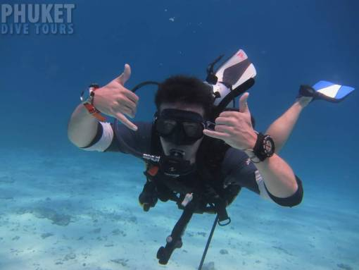 racha yai scuba diving