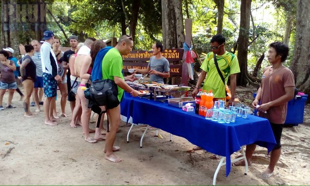 lunch at similan islands